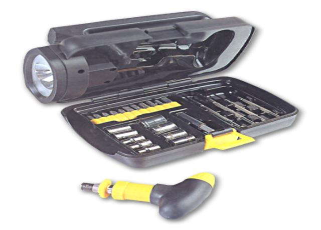 28 Piece Tool Kit/Flashlight